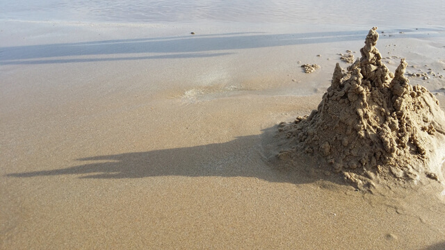 The Sandcastle - An article by: Jeff Thomas.